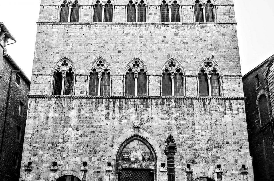 Palazzo Tolomei