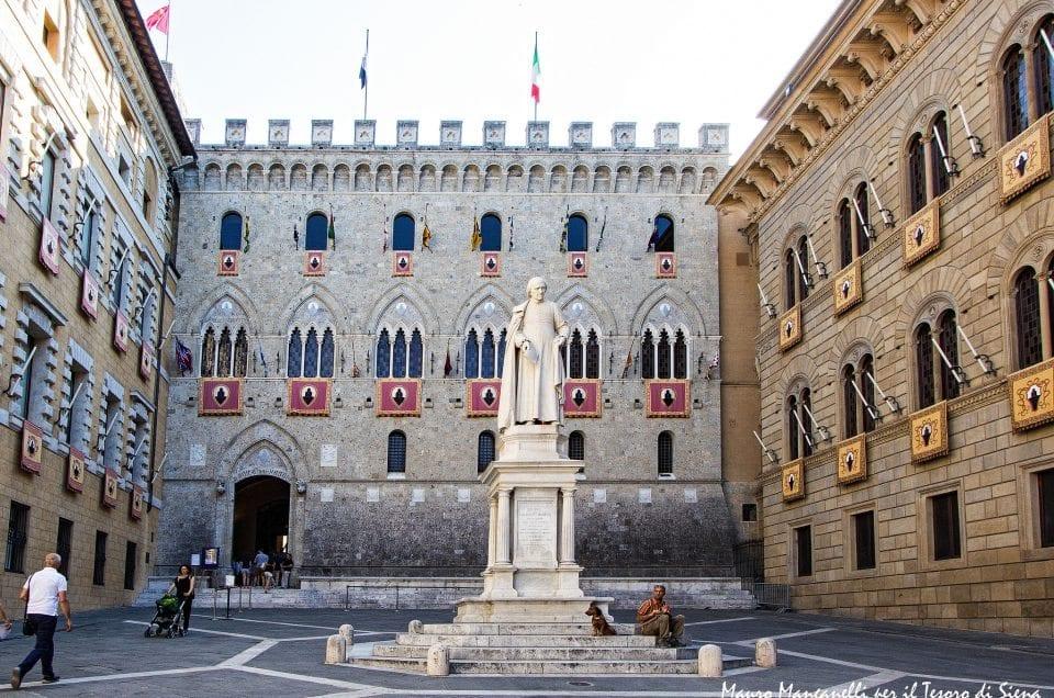 Piazza e Palazzo Salimbeni